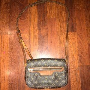 Louis Vuitton Crossbody Bag SEE DESCRIPTION & PICS